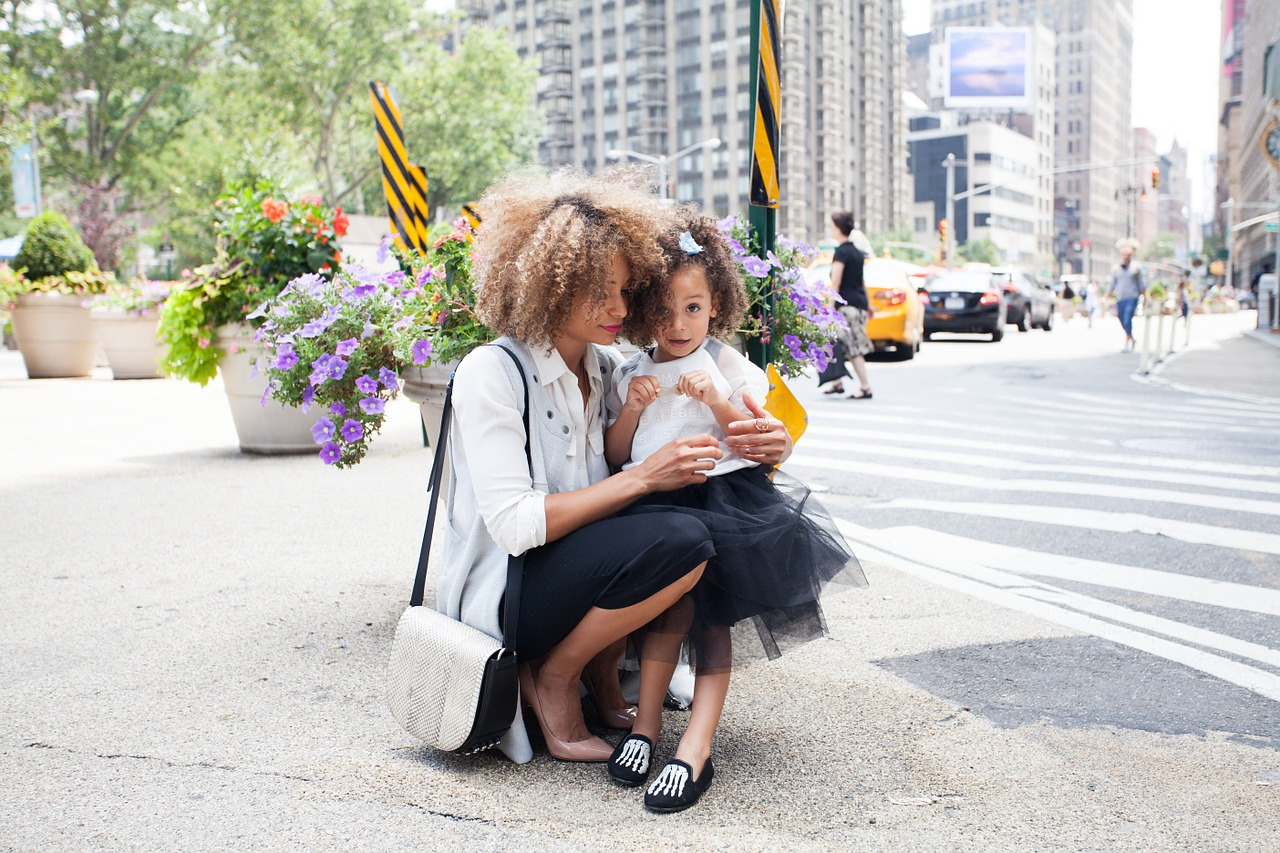 mother and child stimulating cognition